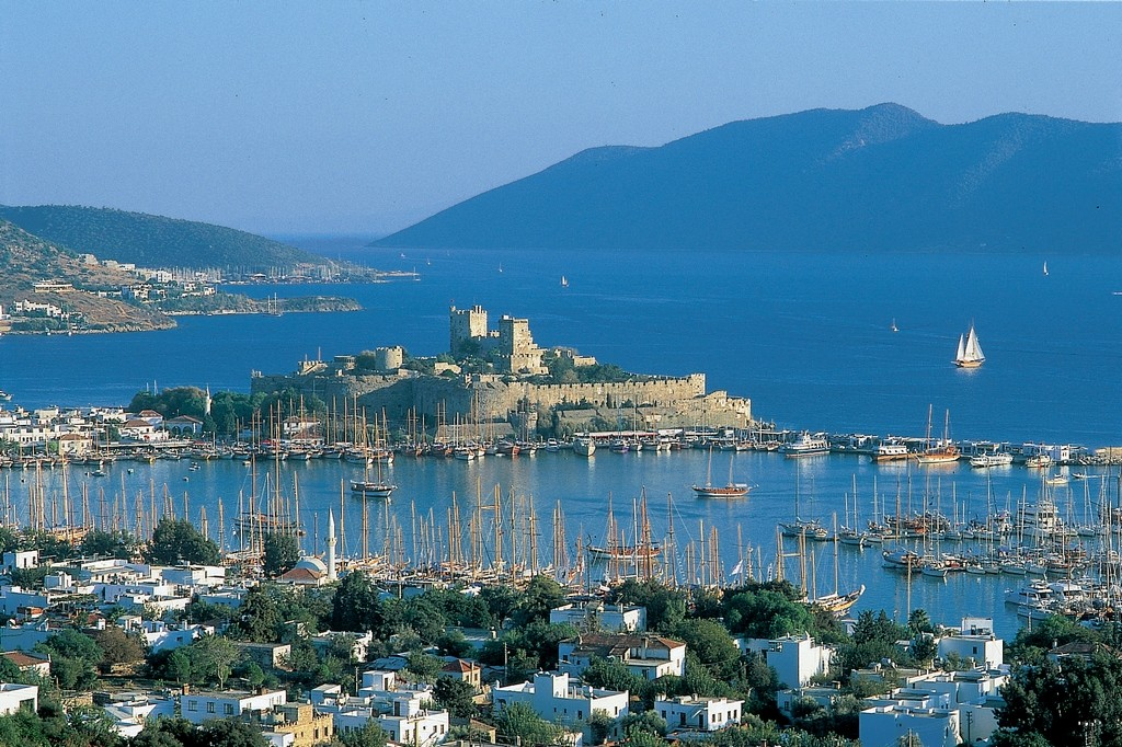 A view over Bodrum Town right to the famous castle