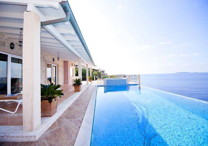 Luxury seafront homes in Turkey