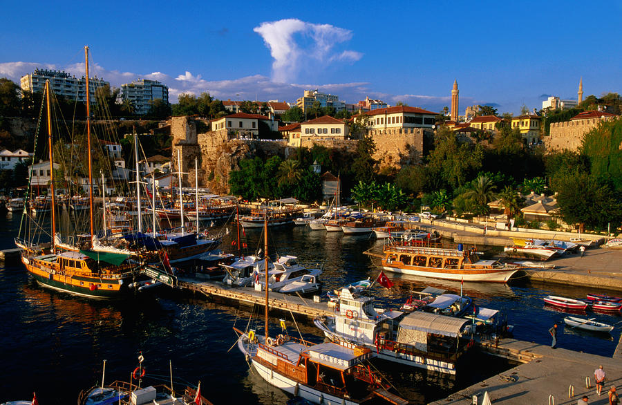 Foreign buyers snap up Antalya property