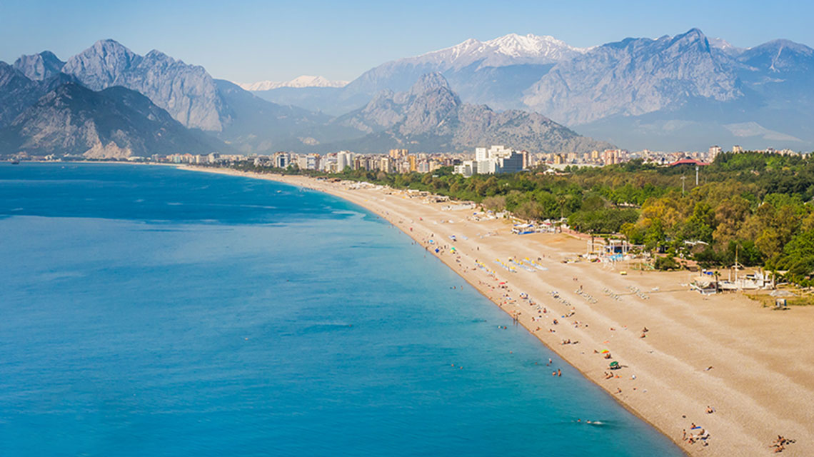 Why Now is the Best Time for Brits to Think About Retiring in Turkey
