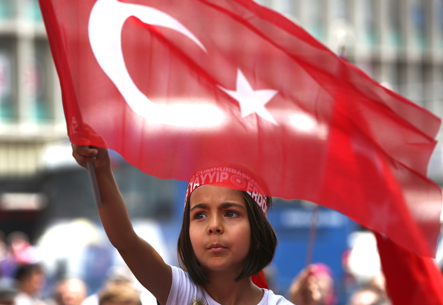 Erdogan launches campaign for greater presidential powers