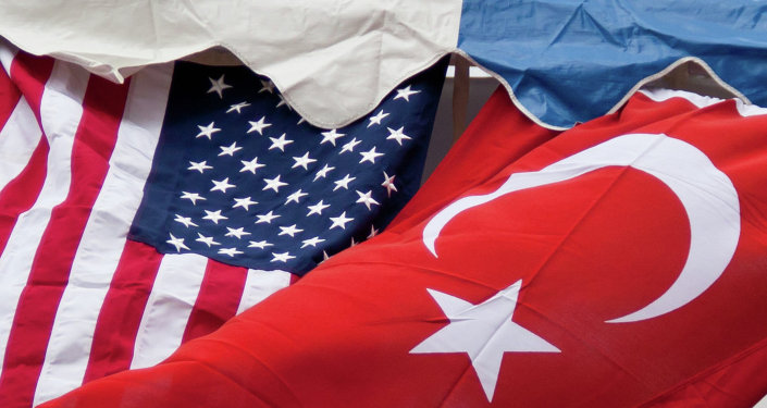 US and Turkey suspend visas in diplomatic spat