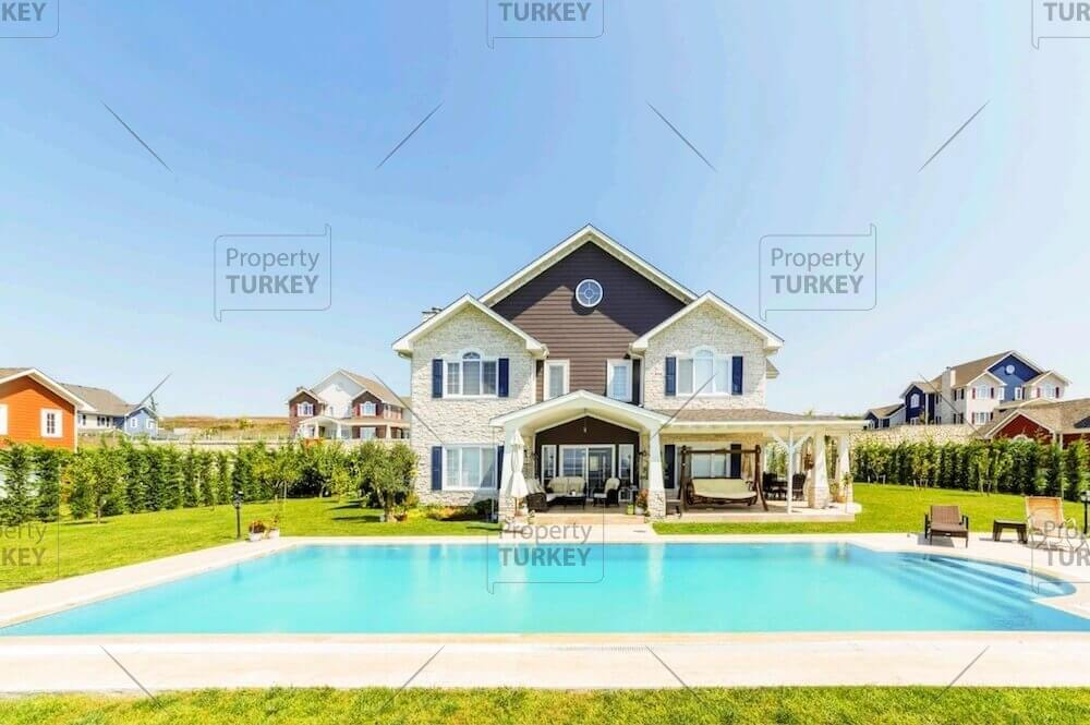 Luxury modern family villas close to Buyukcekmece Lake