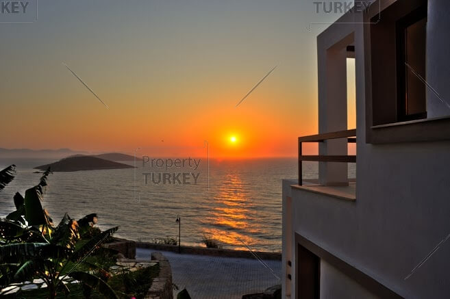 Right by the sea luxury villa in Yalikavak for sale