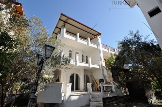 Renovation bargain villa project for sale in Calis