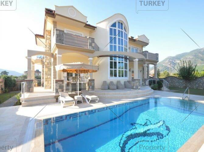 Expansive nature home in prime location Uzumlu