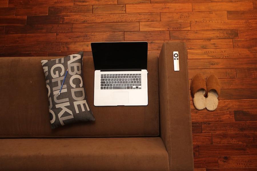 Couchsurfing dating priče