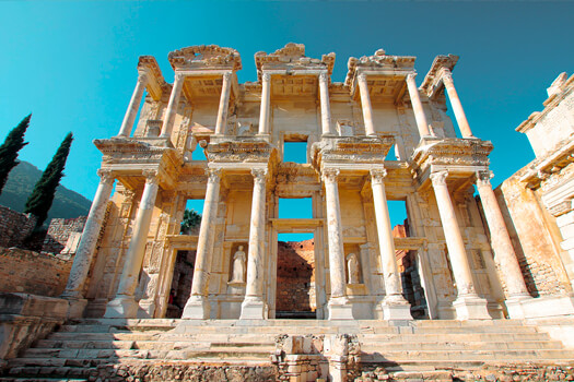 The awe-inspiring library at Ephesus.