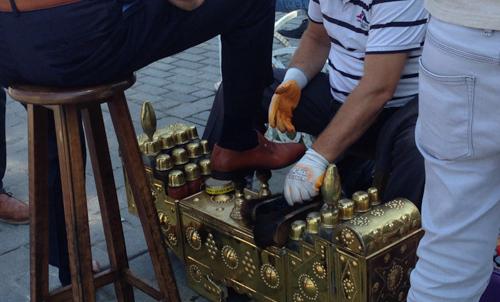 Istanbul shoe shine