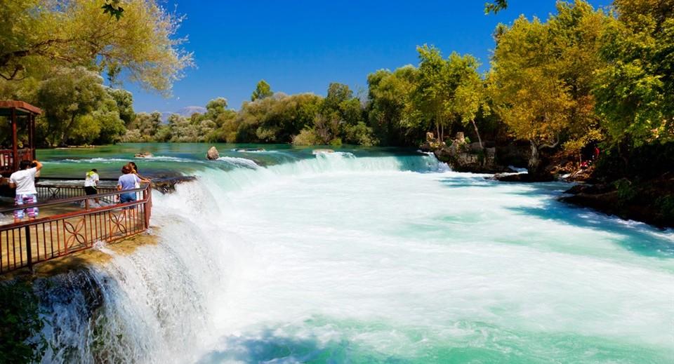 安塔利亚的瀑布