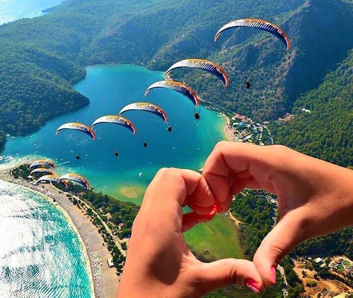Oludeniz beach paragliding