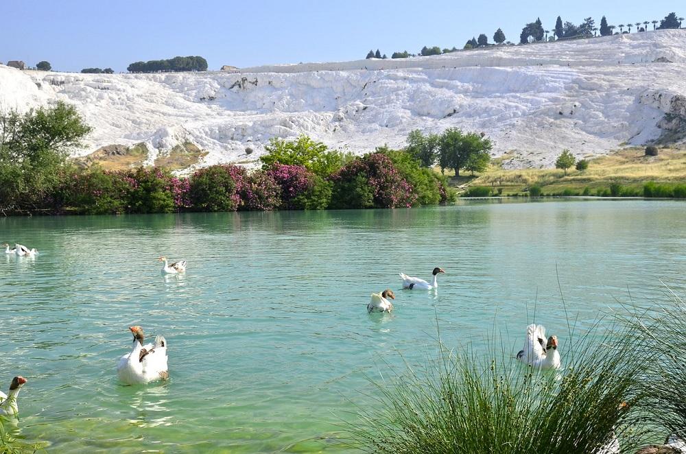 帕穆卡莱湖