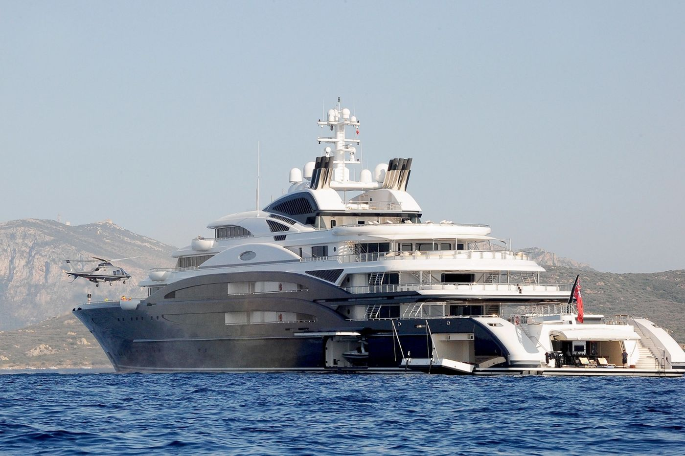 Bill Gates' boat, Serene