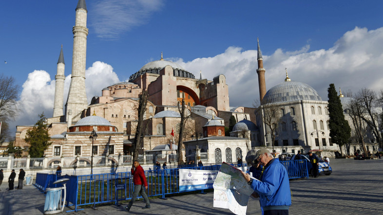 Istanbul tourists