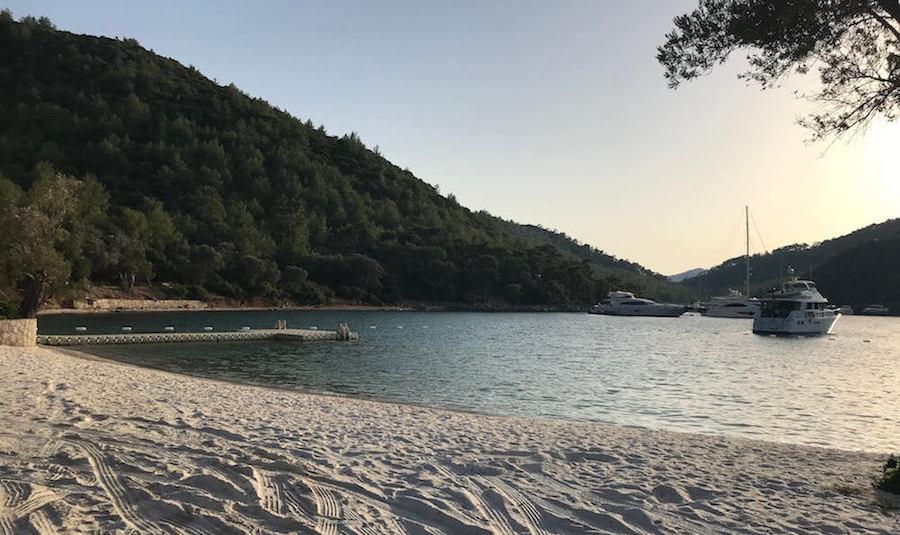 Paradise Bay Turkbuku