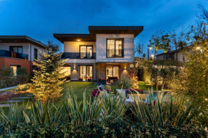 Designer Buyukcekmece villas for family living