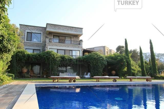 Turkbuku property with jetty