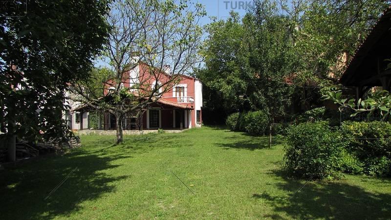 Sapanca property with garden