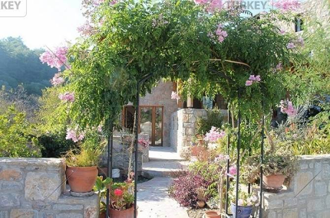 Bodrum property entrance
