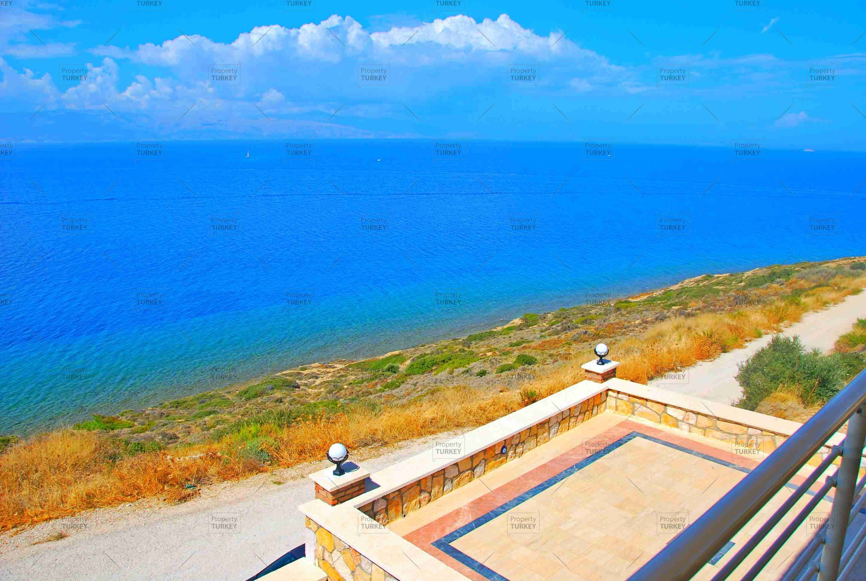 Real estate in Cesme sea view