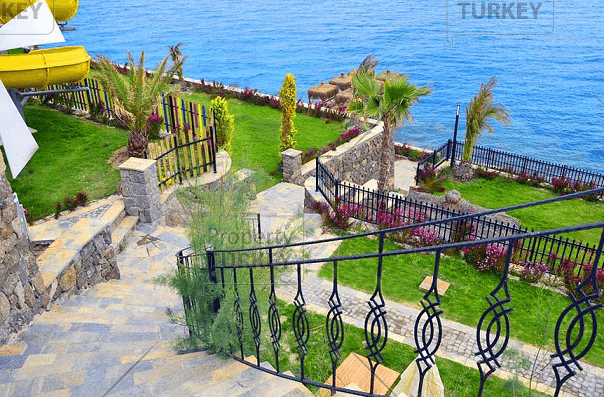 Bodrum steps to sea