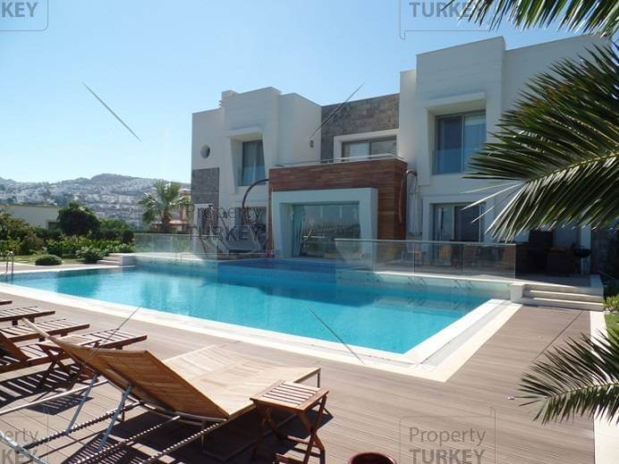 Stunning villa in Gumusluk with superb sea view