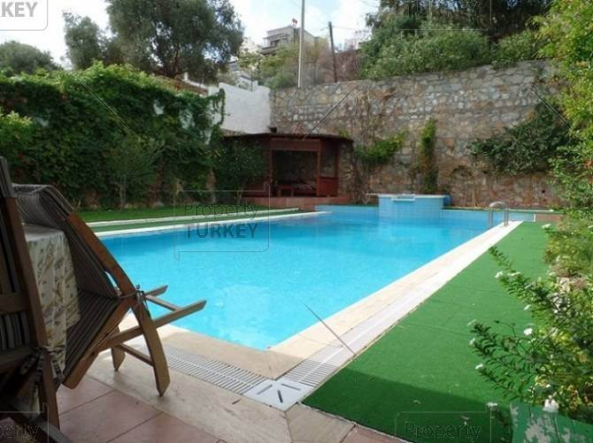 Private swimming pool Torba