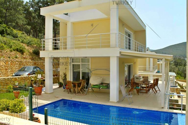 Property in Torba