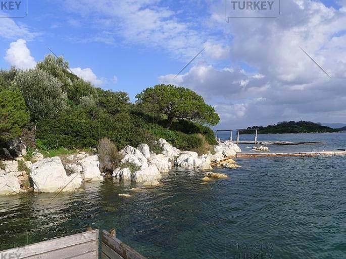 Beach front mansion in Turkbuku