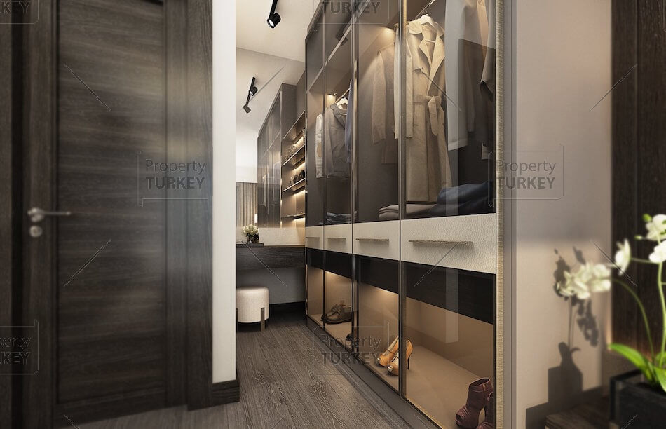 Apartments with walking closet
