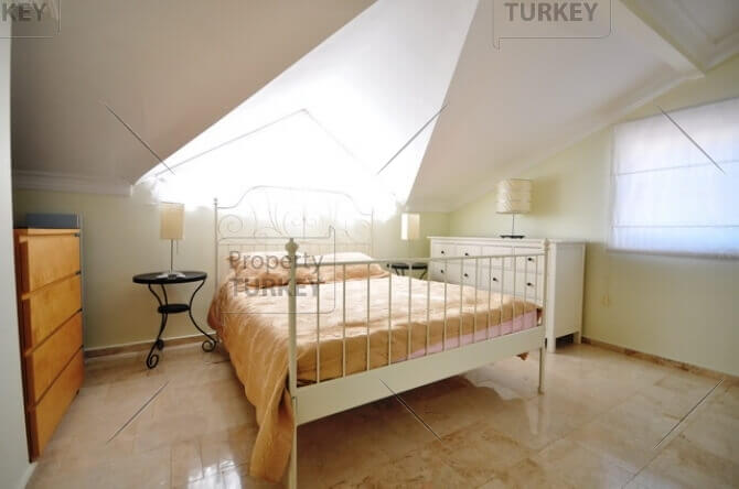 Modern main bedroom