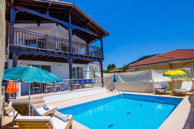 Uzumlu villa with private pool for sale