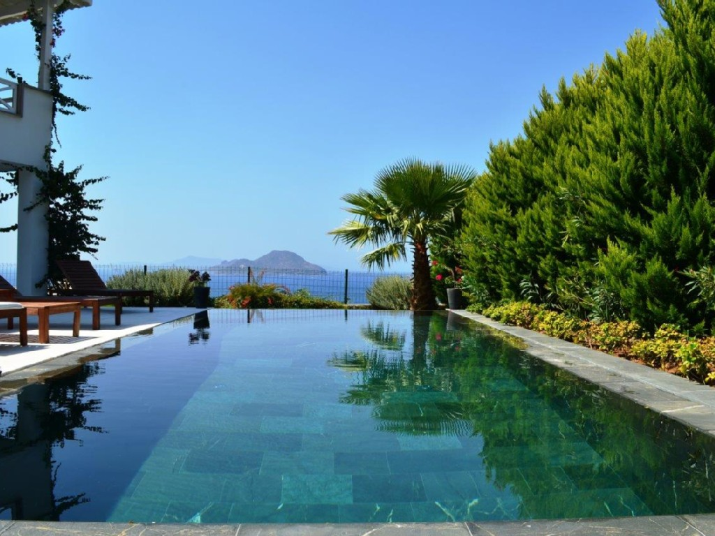 Sea view Bodrum pool