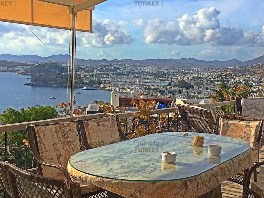 Villas with sea views