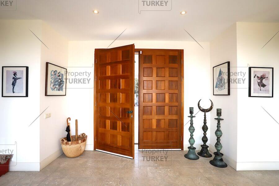 Villas door