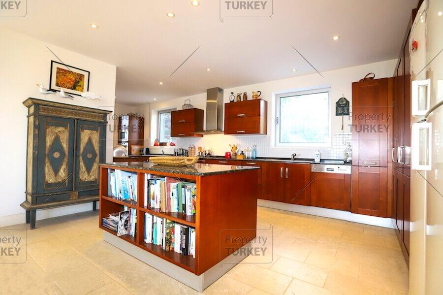 Residences kitchen