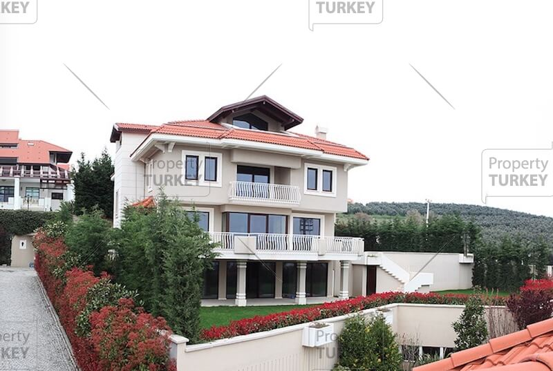 Bursa spacious villa for sale