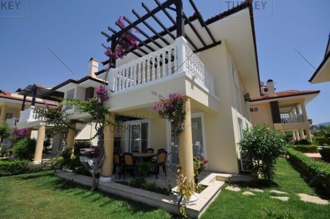 Villa in Calis for sale