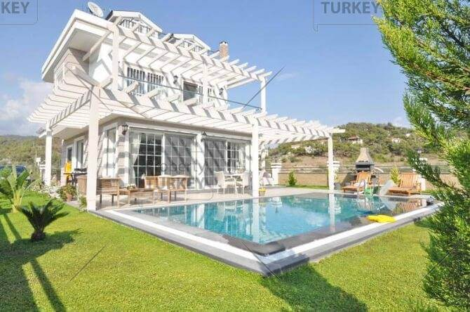 Beautiful Calis Beach home ideal for year round living