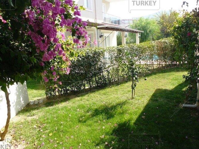 Villas large green areas