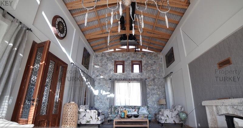 Amazing ceiling design