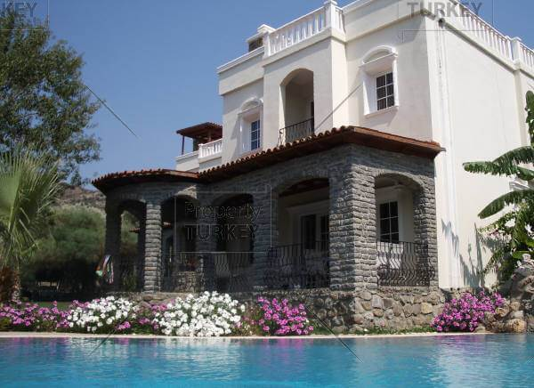 Spacious villa in Bodrum Gundogan for sale