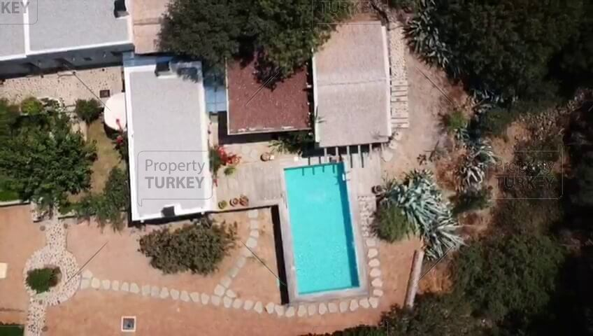 Complete aerial views of the villa