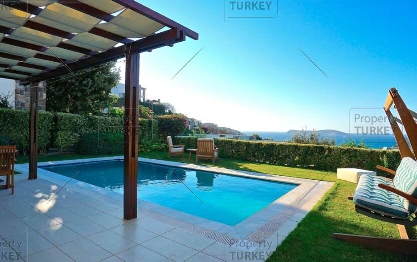 Swimming pool and seaviews