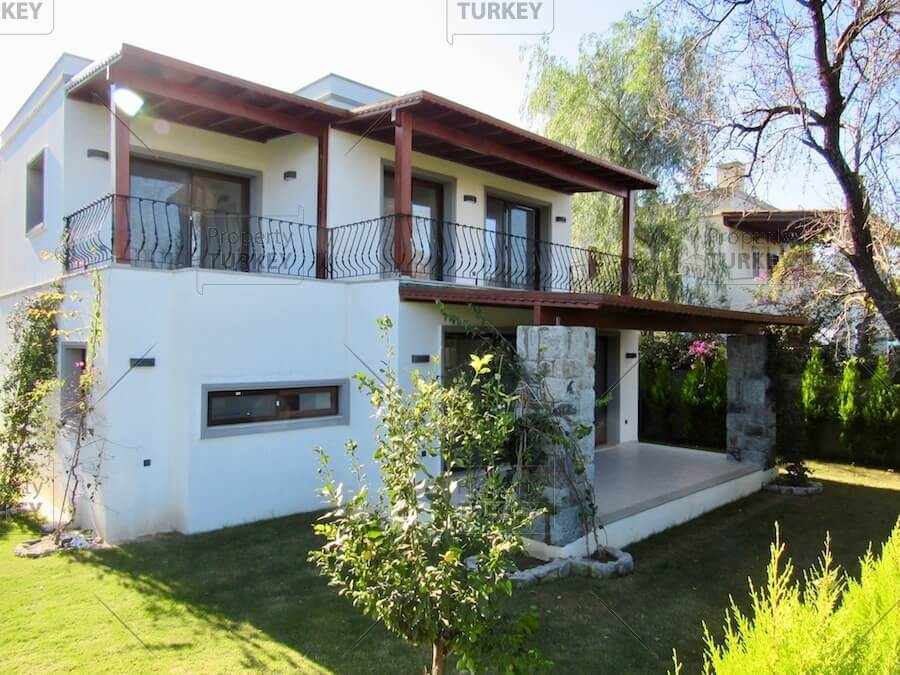 Yalikavak villa close to central amenities for sale