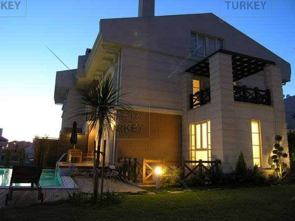 villa by night in istanbul