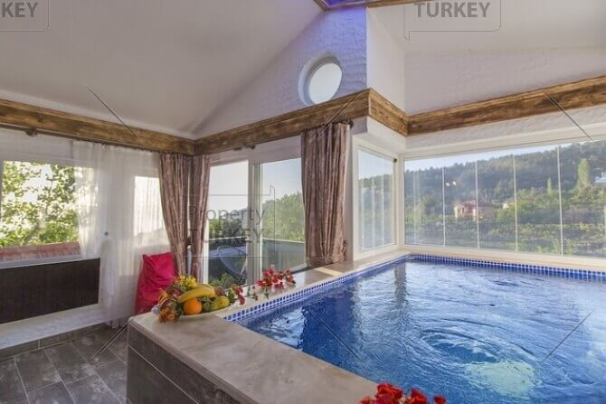 Jacuzzi in the property