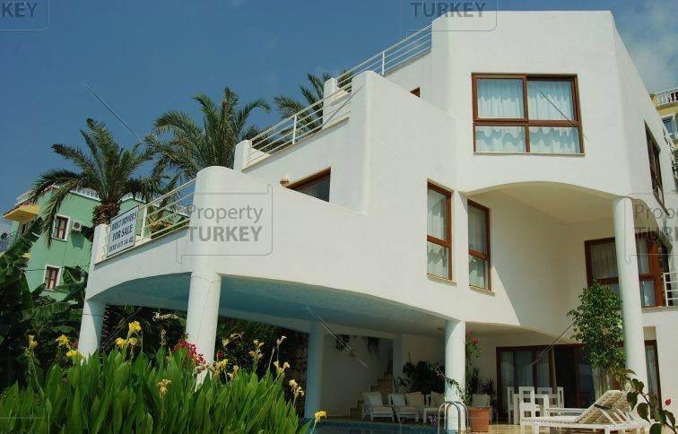 Villa with rental potential