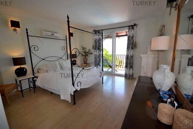 Large bedroom