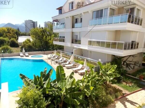 Close to the beach apartment in Konyaalti for sale